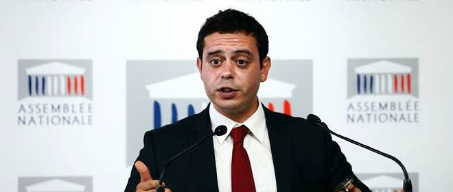 """Razzy Hammadi demande à Manuel Valls """"d'aborder les sujets avec méthode et sérieux"""", selon un entretien publié dans """"Le Figaro""""."""