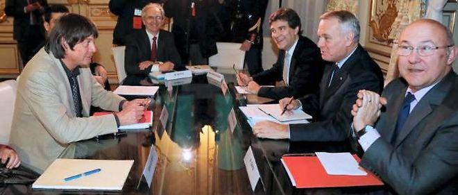 Rencontre le 22 novembre 2012 entre Bernard Thibault, leader de la CGT, et Jean-Marc Ayrault, en présence du ministre du Redressement productif et du ministre du Travail.