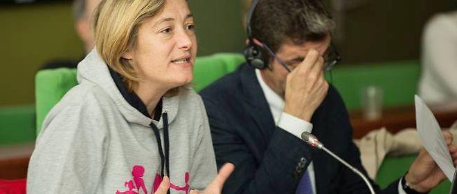 """Ludovine de La Rochère lors d'une audition publique sur """"la manif pour tous"""" au Conseil de l'Europe, 26 juin 2013."""