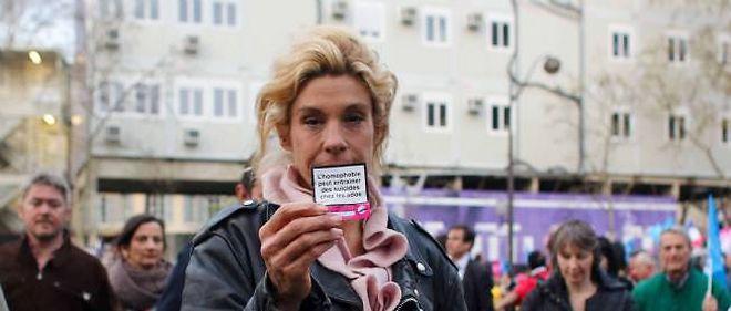 """Frigide Barjot lors d'une """"manif pour tous"""", le 17 avril 2013"""