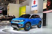 Certes le crossover urbain que préfigure le Suzuki IV-4 devra sans doute renoncer aux immenses jantes de 20 pouces du concept, mais il devrait en reprendre le style général.