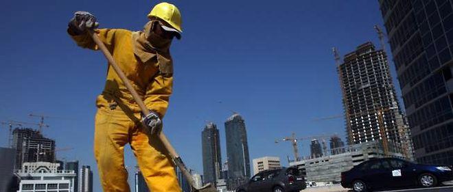 Photo d'illustration. Un ouvrier travaillant sur un chantier de Doha, au Qatar.