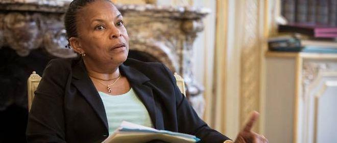 """La ministre de la Justice Christiane Taubira estime  qu'il faut """"davantage de temps"""" concernant la """"parentalité au sens large""""."""