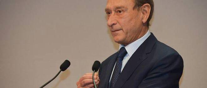 Malgré les nombreuses critiques, le maire de Paris reste fidèle au chef de l'État.