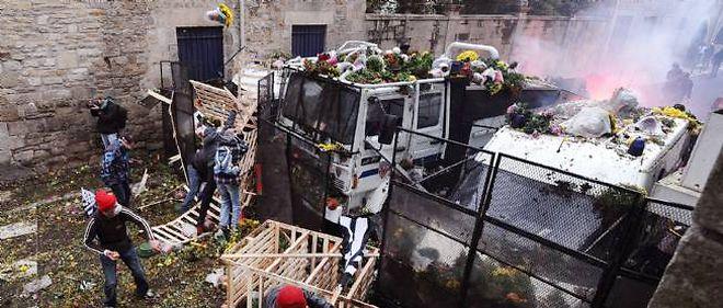 Des échauffourées se sont produites à Quimper entre manifestants et CRS.