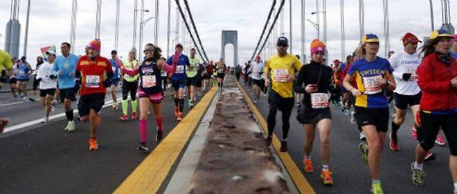 Plus d'un million de personnes étaient attendues pour encourager les plus de 45 000 coureurs inscrits pour parcourir les 42,195 km à travers les cinq quartiers de New York.