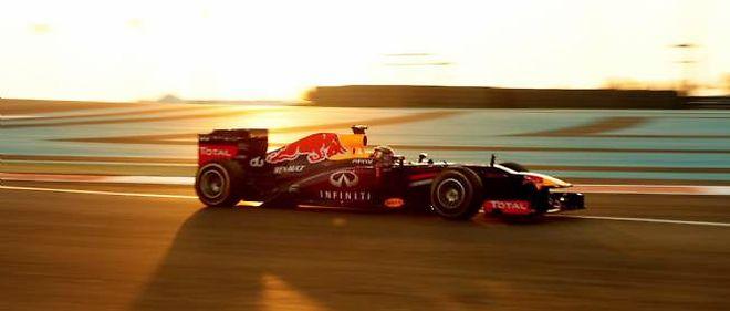 Sebastian Vettel remporte la 3e victoire de sa carrière sur le circuit de Yas Marina, à Abu Dhabi.