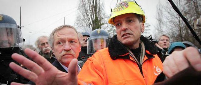 Edouard Martin, représentant syndical d'ArcelorMittal. Manifestation des employés d'Arcelor Mittal a proximité des institutions européennes, le 6 février 2013.