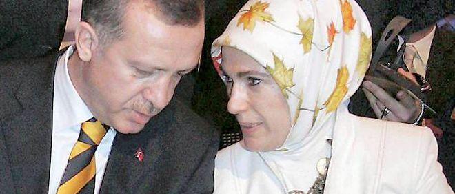 Femmes TurquieLes Le La Tête Voilées Point Relèvent 1lcF5TKJu3