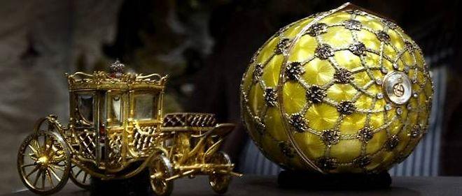 Conçu en 1887, cet oeuf de Fabergé vaut aujourd'hui 24 millions de dollars.