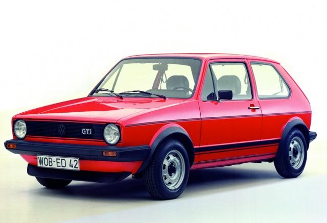 Produite à 6,8 millions d'exemplaires entre 1974 et 1983, la Golf 1 s'effaça fin 1983 au profit de la version 2 qui fut accueillie froidement du moins au début ©  DR