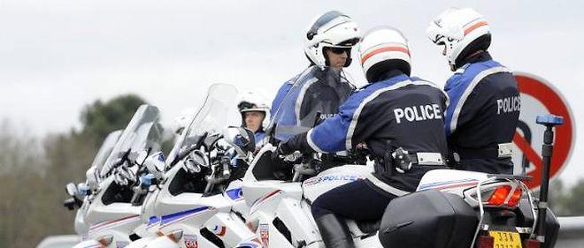 Les forces de l'ordre seront d'autant plus mobilisées qu'il faudrait peut-être faire respecter bientôt un 80 km/h sur les routes secondaires. Une initiative réprouvée par beaucoup d'usagers, qui l'estiment inutile.