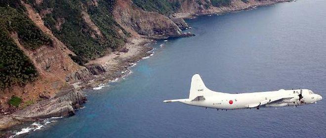 Un avion de patrouille japonais survole l'archipel des Senkaku, revendiqué par la Chine sous l'appellation Diaoyu.
