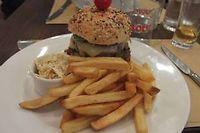 Le hamburger du Loulou' Burger ©Gilles Pudlowski