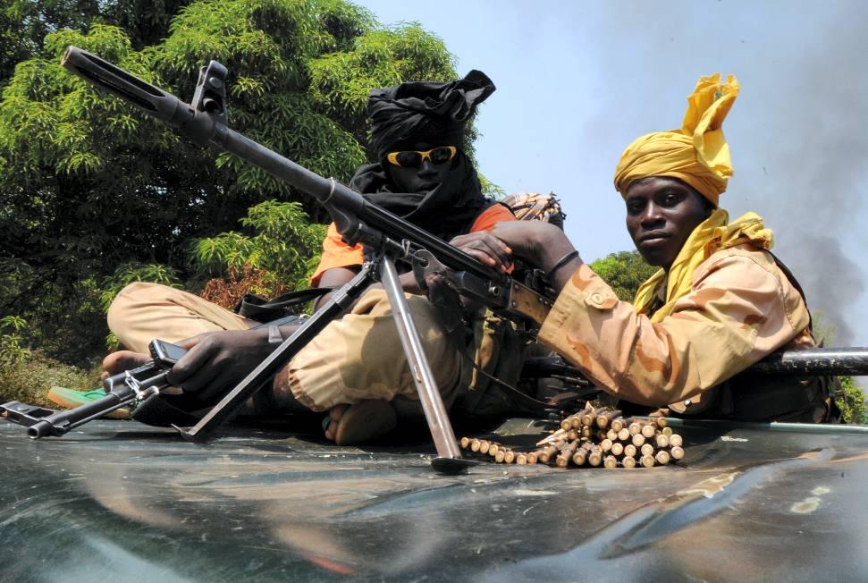 Des rebelles de la Seleka dans Bangui en mars 2013