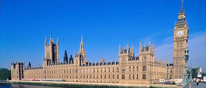 Le Parlement britannique et la tour de l'horloge Big Ben, à Londres.