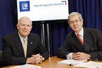 Cette photo date de février 2012, signature de l'alliance GM-PSA dont il ne reste plus grand chose. PSA peut chercher un autre partenaire, chinois cette fois.