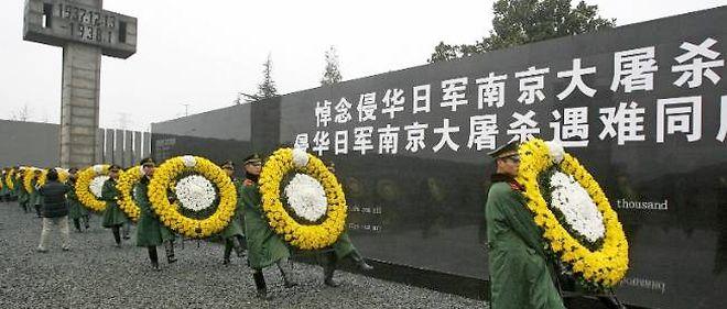 Défilé militaire lors de la commémoration des 70 ans du massacre de Nankin.