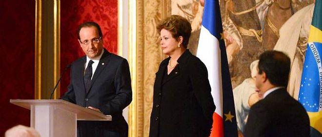 François Hollande lors d'une visite de la présidente brésilienne Dilma Rousseff à Paris, le 11 décembre 2012.