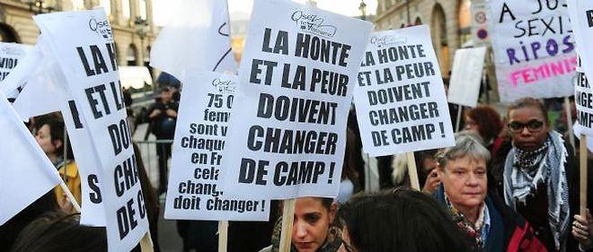 Rassemblement à Paris en 2012 contre le verdict en première instance du procès des tournantes de Fontenay.