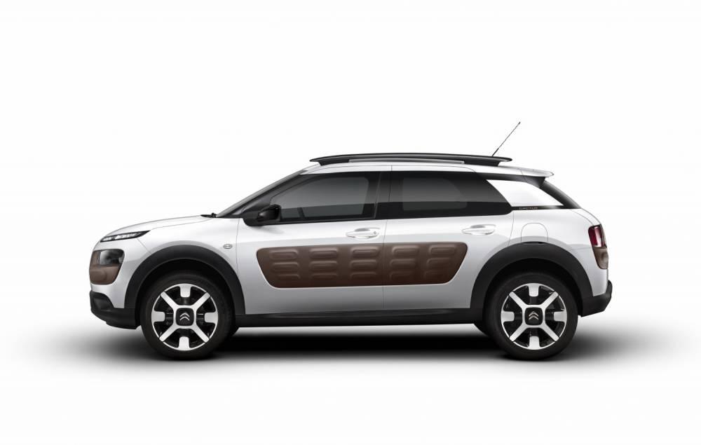 Un tiers de vitres, deux tiers de tôles, un profil rablé et rassurant. ©  Citroën