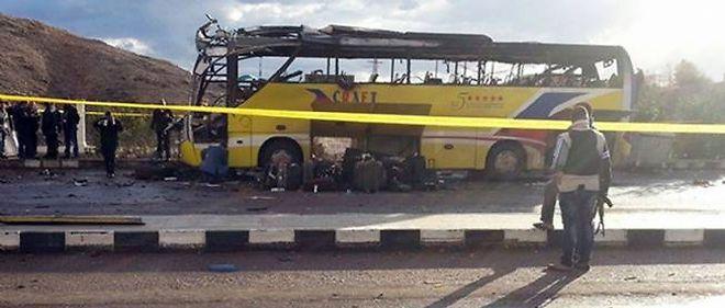 Un attentat contre un bus de touristes a fait plusieurs morts en Égypte.
