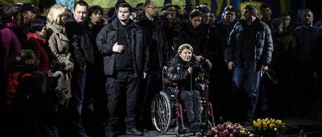 Ioulia Timochenko reçoit un accueil triomphal sur la place Maïdan le 22 février 2014.