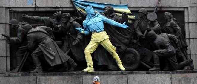 Statue à l'effigie de l'armée soviétique, Sofia, dimanche 23 février.