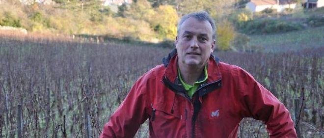 Emmanuel Giboulot privilégie des moyens alternatifs contre l'insecte responsable de la flavescence dorée.