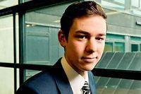 """Simon Janin, 21 ans, en contrat de professionnalisation à la Banque populaire des Alpes. ©Francois Henry/REA pour """"Le Point"""""""