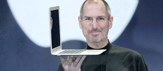 Steve Jobs présente le Mac Book Air en 2008. ©David Paul Morris/AFP