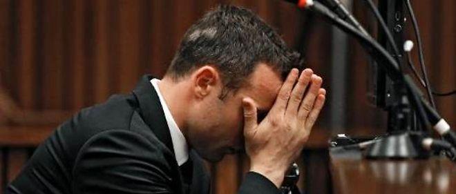 Oscar Pistorius au quatrième jour de son procès le 6 mars 2014 au tribunal à Pretoria.