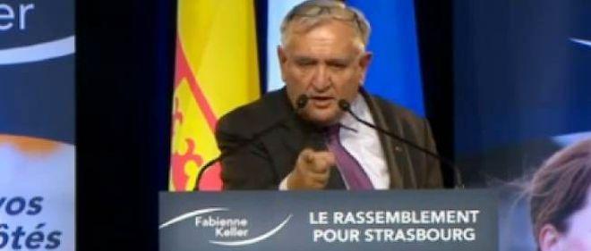 Jean-Pierre Raffarin interpelle Nadine Morano à Strasbourg.