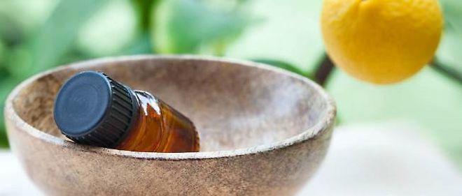 L'huile essentielle de zeste de citron associée au pin sylvestre véritable peut neutraliser le virus.