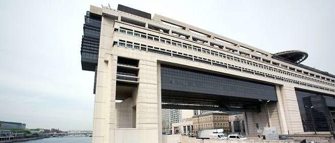 Les dépenses, qui atteignent 32,6 milliards d'euros contre 32,1 milliards d'euros au 31 janvier 2013, ont connu une augmentation en raison, selon le ministère, de dépenses d'investissement d'avenir s'élevant à 1,3 milliard d'euros.
