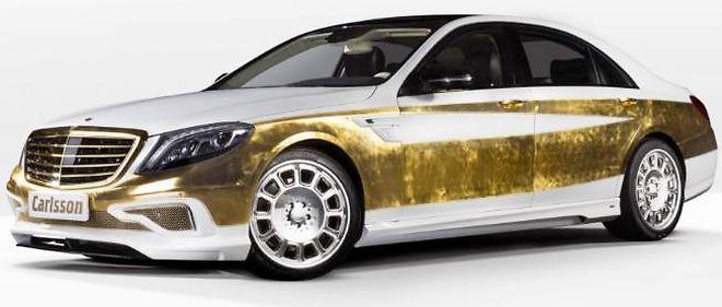 Que d'or, que d'or ! Pas moins de mille feuilles d'or de 80 mm x 80 mm recouvrent cette Mercedes Classe S... dorée à l'or fin !