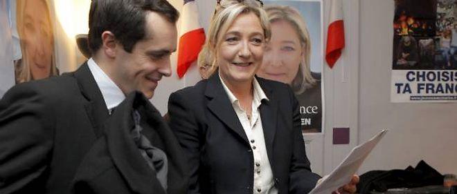 À Elbeuf, ville de Seine-Maritime où Nicolas Bay (à gauche sur la photo) se présente aux municipales, six candidats malgré eux ont porté plainte.