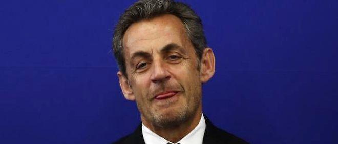 Sarkozy est apparu très détendu à Nice, où il a pris un bain de foule.