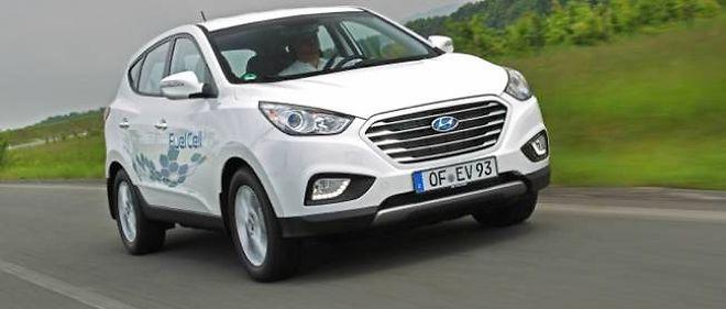 Hyundai se pose comme le premier constructeur à proposer un véhicule de série à pile à combustible. Toyota, Mercedes et Honda, pour ne citer qu'eux, devraient suivre dans les prochaines années.