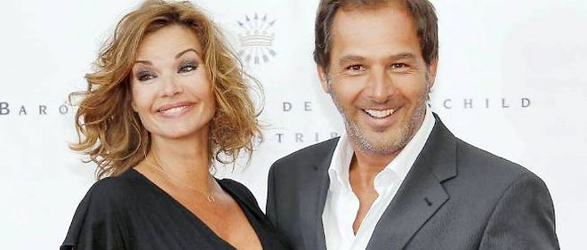 Pendant la grossesse d'Ingrid, l'actrice et son mari Thierry Peythieu se montrent radieux à Monaco.