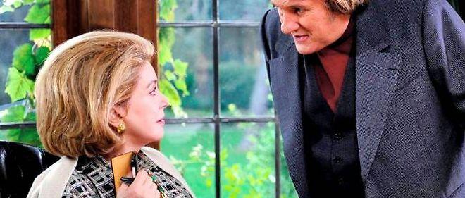 """Catherine Deneuve et Gérard Depardieu dans """"Potiche""""."""
