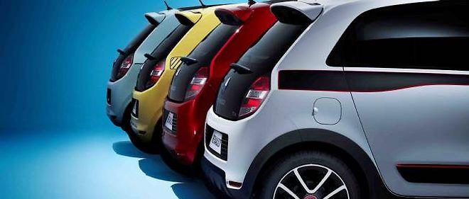 Renault et Dacia d'un côté, Peugeot et Citroën de l'autre, se partagent équitablement les dix premières ventes en France en mars.