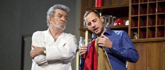 """Eddy Mitchell et Fred Testot, trop sages pour reprendre les costumes de Gabin et de Belmondo dans """"Un singe en hiver"""" ?"""