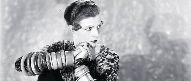Les yeux clairs de Cecil Keaton, immortalisée par l'objectif de Man Ray.