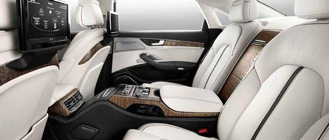 À l'instar de cette Audi A8 Limousine équipée de l'Internet, de la 4G et de la Wi-Fi, la voiture des flottes est connectée.