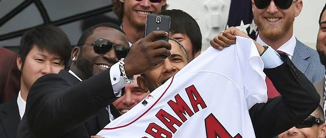 Selfie entre la star de baseball David Ortiz et le président Obama.