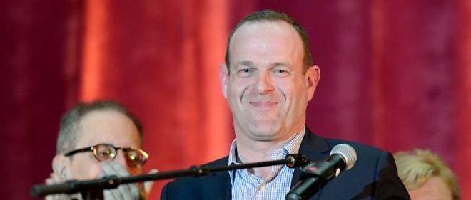 Âgé de 41 ans, Steeve Briois a été élu maire de Hénin-Beaumont face au maire sortant soutenu par le PS Eugène Binaisse.