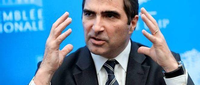 """Le président du groupe des députés UMP Christian Jacob a jugé l'autorité de Manuel Valls """"profondément atteinte"""" à la suite de sa déclaration de politique générale."""