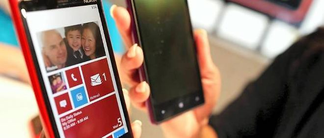 Une start-up israélienne essaie de mettre au point une batterie ultraperformante capable de recharger un smartphone en seulement 30 secondes.