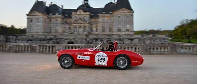 Les choses sérieuses commençaient hier au château de Vaux-le-Vicomte pour le Tour Auto Optic 200, et les AC Cobra mènent le bal.